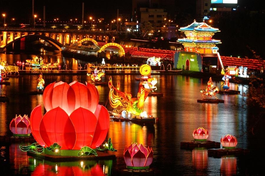 Lễ hội đèn lồng Jinju Namgang Yudeng